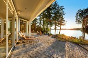 CanadaStays summer cottage rental