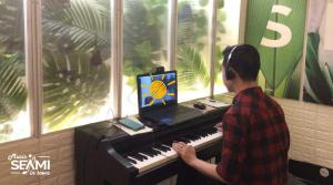 SEAMI is one of a few educational centers to offer online music classes with Vietnamese coaches.